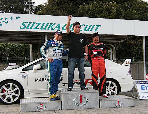 タイムアタックでの表彰は残念ながら表彰台には・・・・・・ でしたが、ドレスアップ賞で見事mokaサマ155が選ばれました。