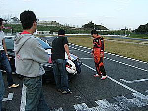 プロドライバーの方もmokaサン号155のステッカーの キレイさにビックリです。