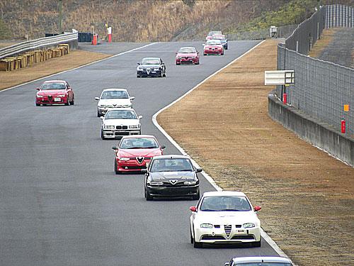 コース状況:ウェット/ドライ 状態がよくなり、予選より皆さんのスピードUP。