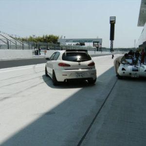 西嶋オーナー再びコースへ。
