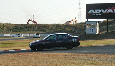 2本目は5台のアルファで走行スタートです。