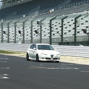 先にコースに戻っていた西嶋オーナー。 今度はバッチリ撮影できました。
