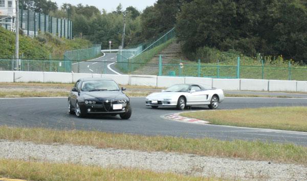 KUROサマ、運転している姿がみえます。 初走行、どんな気持ちなんでしょう。