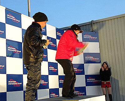 表彰式が始まりました。 久々の参戦でしたが見事!! タイムアタックAR100 1位 sato.yaさま  おめでとうございます☆